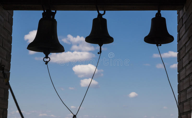 Die Glocken im Glockenturm stockbild
