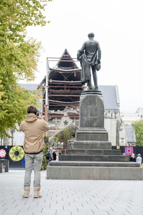 Die Godley-Statue aufgestellt vor der Christchurch-Kathedrale am Kathedralen-Quadrat als Gedenken zu John Robert Godley lizenzfreie stockfotos