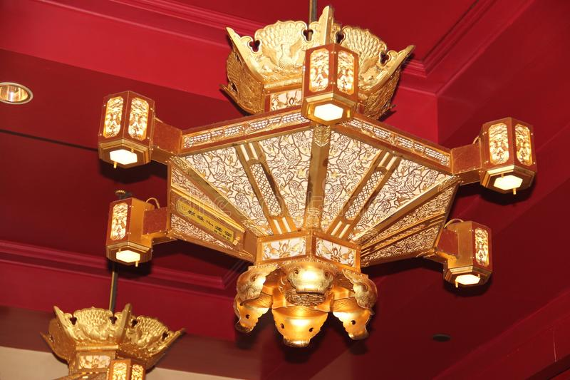 Die goldene Laterne stockbild