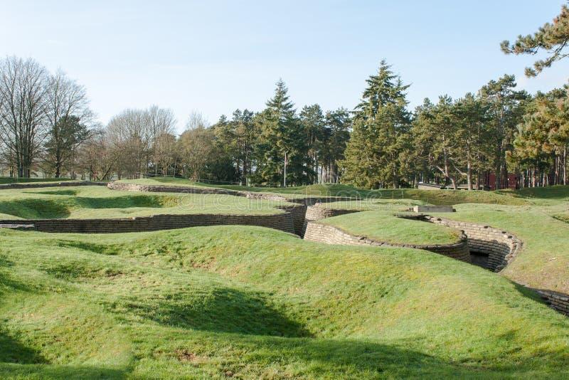 Die Gräben des Schlachtfeldes bei Vimy Frankreich lizenzfreie stockfotografie