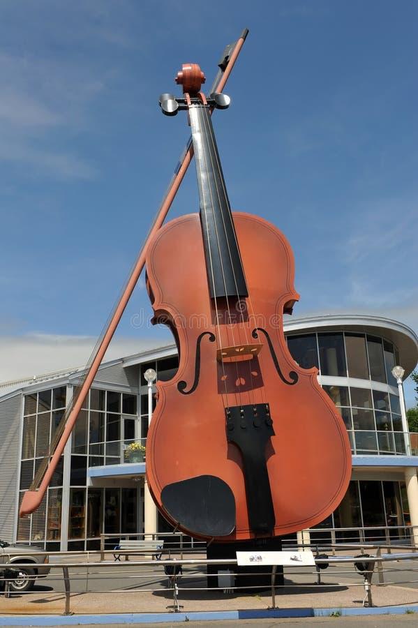 Die größte Geige der Welt stockfotos