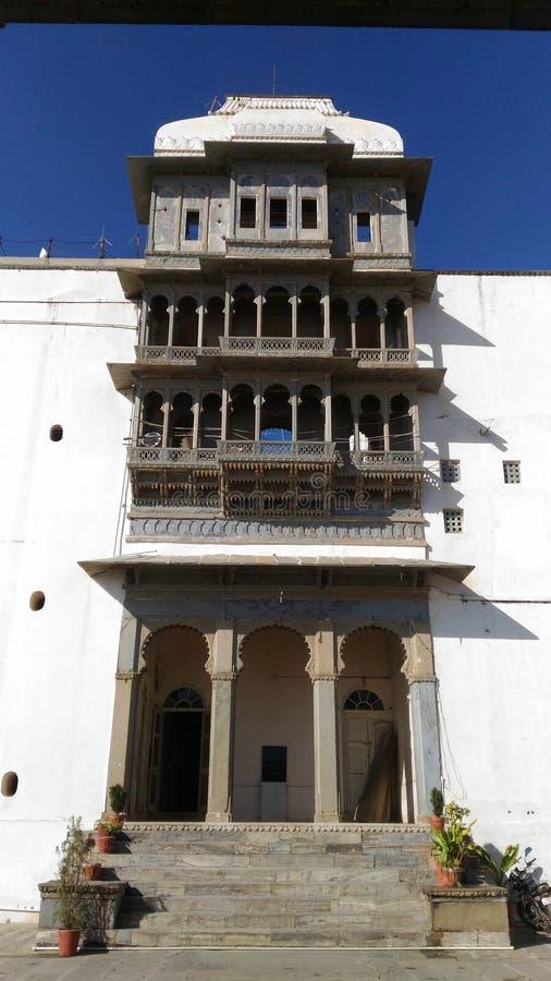 Die große Ansicht von sajjangarh Palast von Udaipur Rajasthan stockfotos