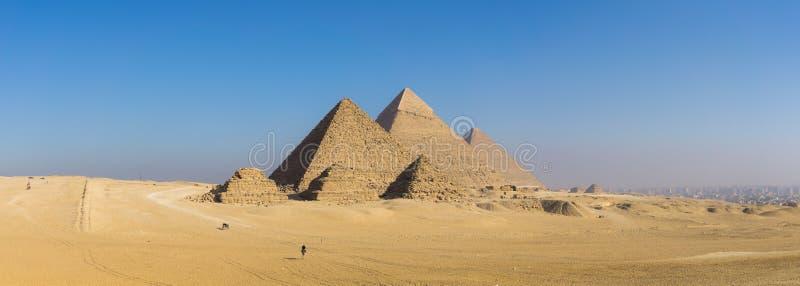 Die große Pyramide von Giseh und von Sphinxe, Kairo, Ägypten lizenzfreie stockfotos