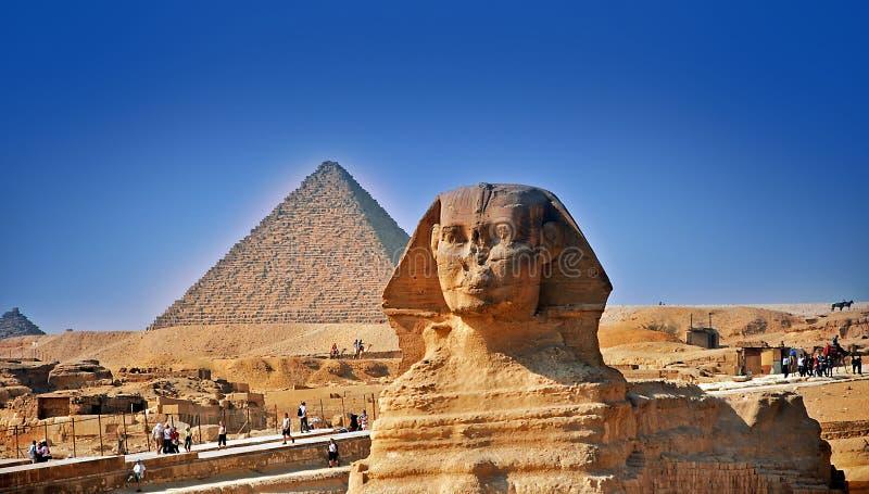 Die große Sphinx und die Pyramiden stockfotografie