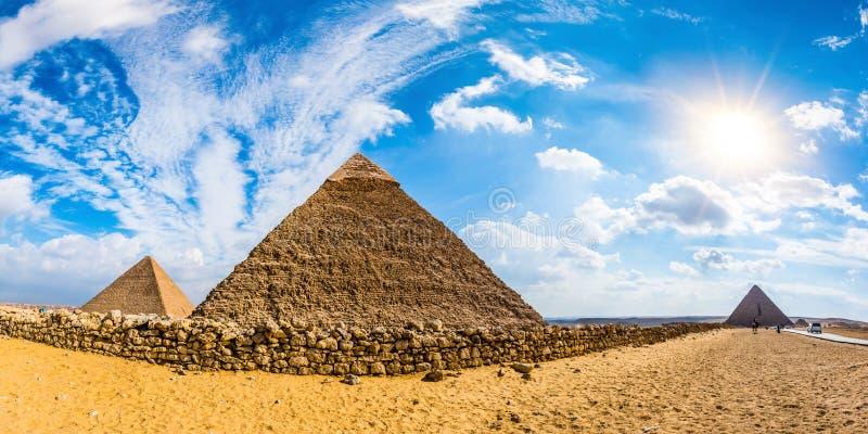 Die großen Pyramiden von Giseh, Ägypten lizenzfreie stockfotografie