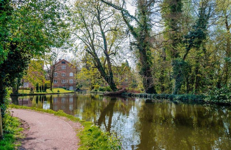 Die Grove-Mühle in Watford lizenzfreie stockbilder