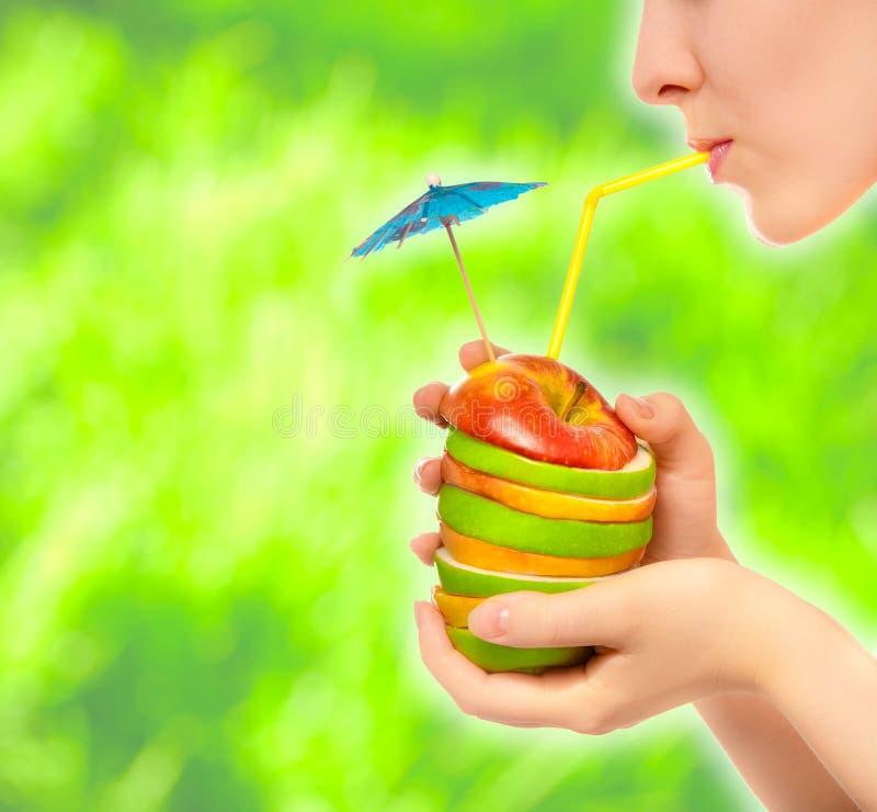 Gesundes Cocktail der Äpfel lizenzfreies stockfoto