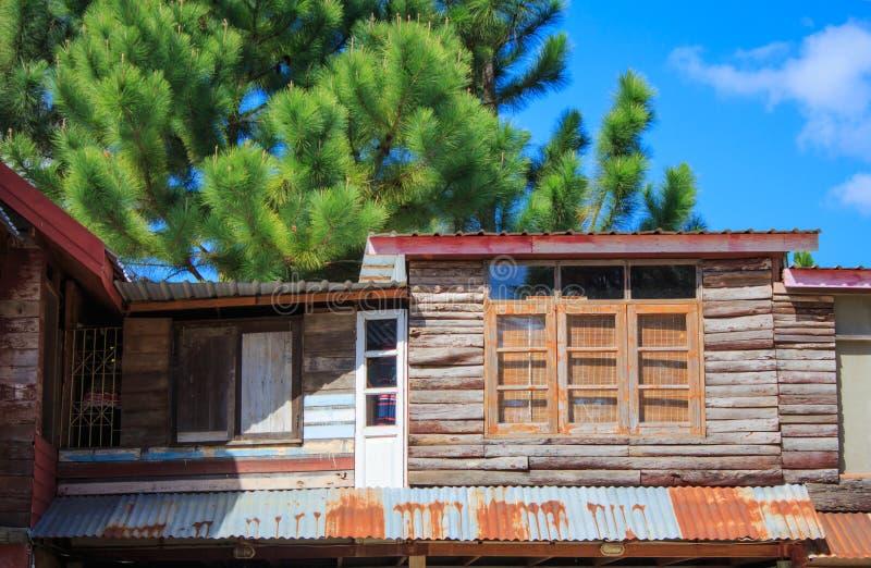Die hölzernen Häuser stockfotos