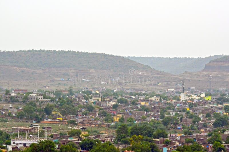 Die Hügel-Stadt-Ansicht lizenzfreies stockfoto