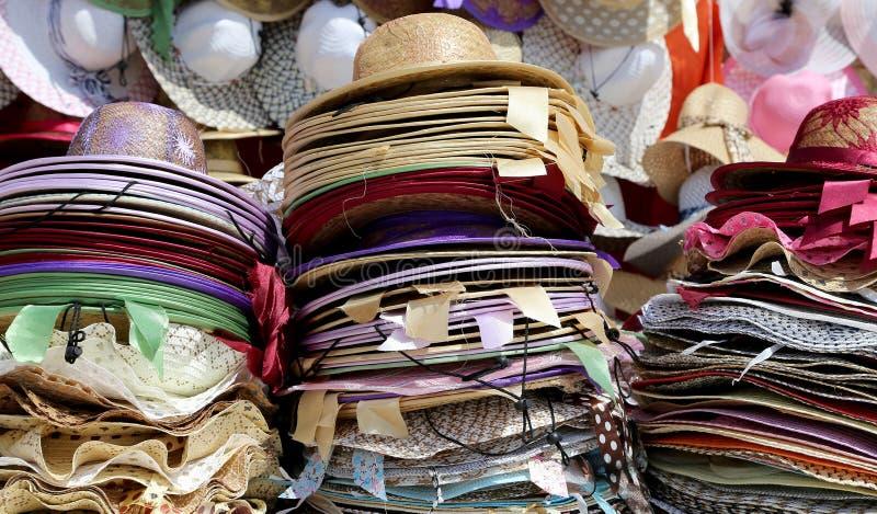 Die Hüte der Frauen für Sonnenschutz, Jordanien, Mittlere Osten lizenzfreies stockbild