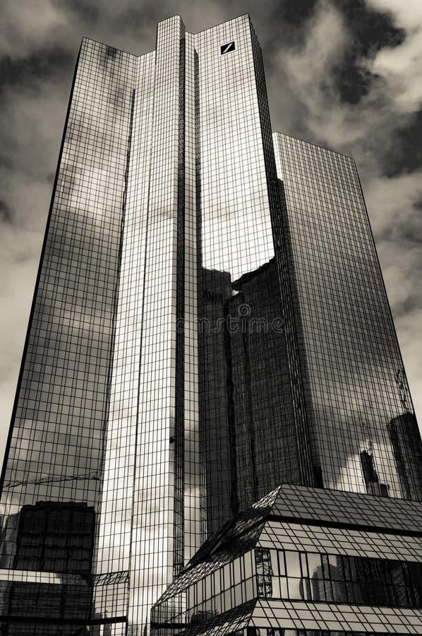 Die Hauptsitze des ` Deutsche Bank-` in Frankfurt, Deutschland Schwarzweiss stockfotografie