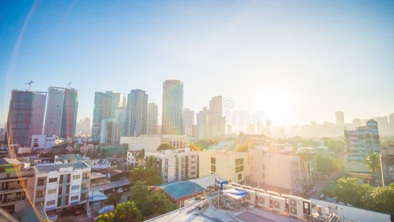 Die Hauptstadt der Philippinen ist Manila Makati Stadt Frühe Dämmerung in der Stadt lizenzfreie stockfotografie