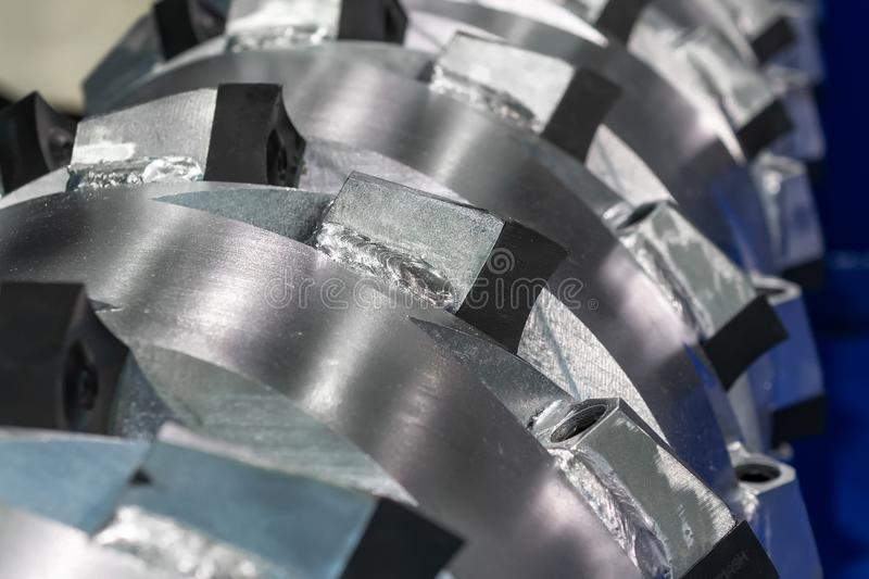 Die Hauptwelle eines mechanischen industriellen Reißwolfs lizenzfreies stockbild
