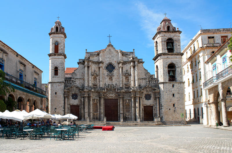 Die Havana-Kathedrale in Kuba stockbilder