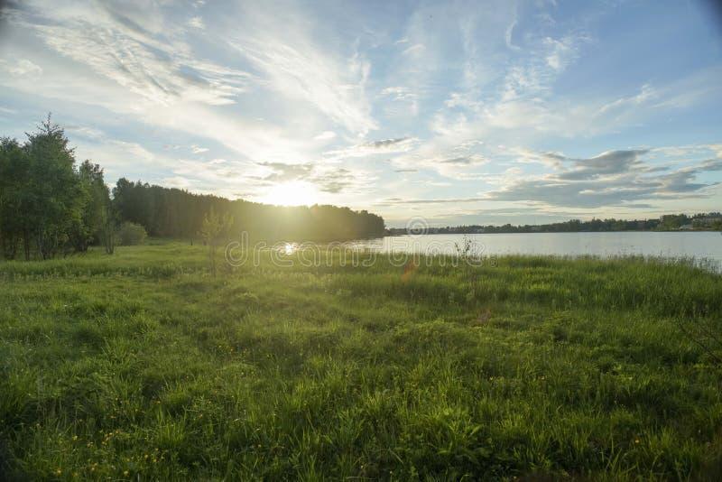 Die Herrlichkeit des Natursonnenaufgangs stockfoto