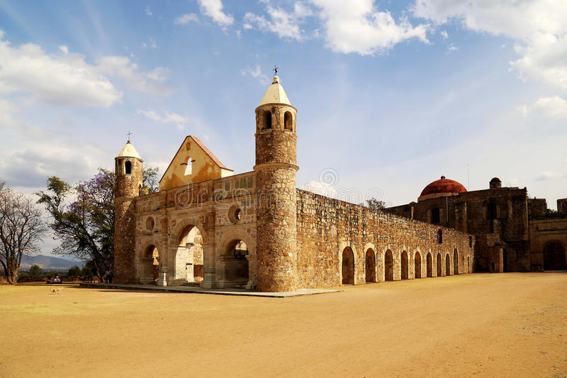 Die historische Basilika von Cuilapan, Oaxaca, Mexiko stockfotos