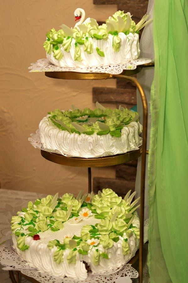 Die Hochzeitstorte lizenzfreie stockbilder