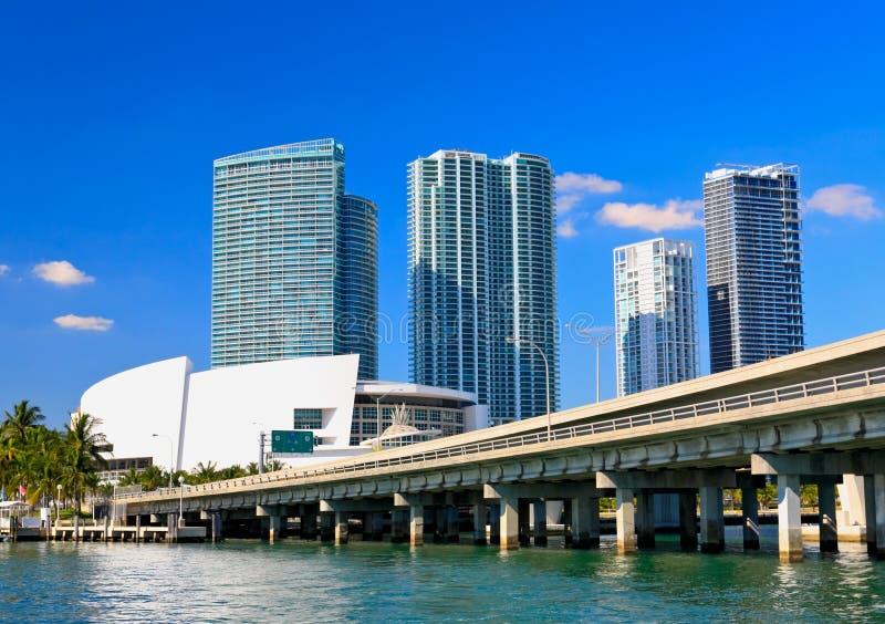Die hohen Gebäude in im Stadtzentrum gelegenem Miami stockfotografie