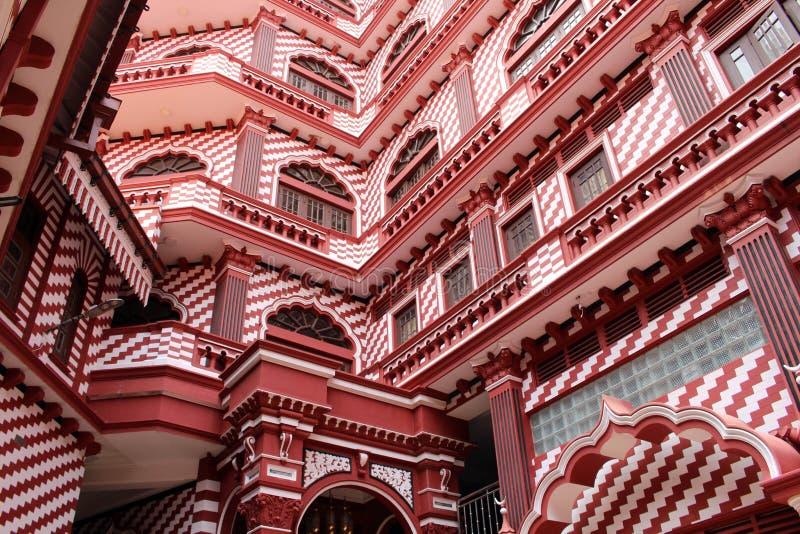 Die interessante Architektur roten Moscheen-Jami-ULs-Alfar in Colo stockbilder