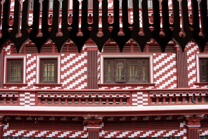 Die interessante Architektur roten Moscheen-Jami-ULs-Alfar in Colo stockfotos