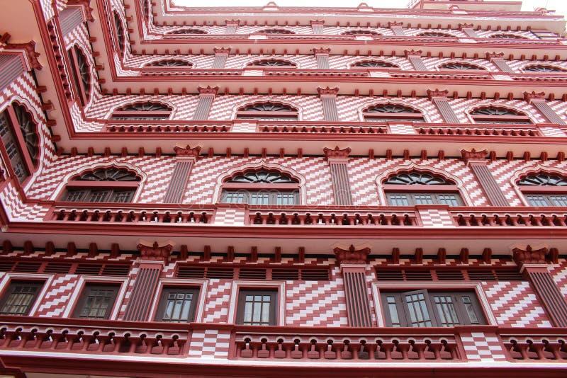 Die interessante Architektur roten Moscheen-Jami-ULs-Alfar in Colo stockfoto