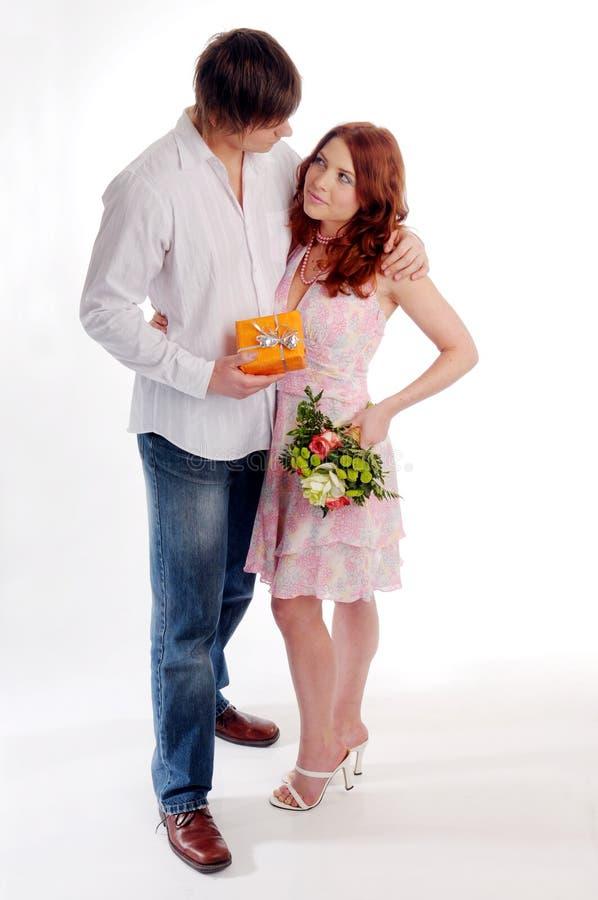 Die jungen Paare lizenzfreies stockfoto