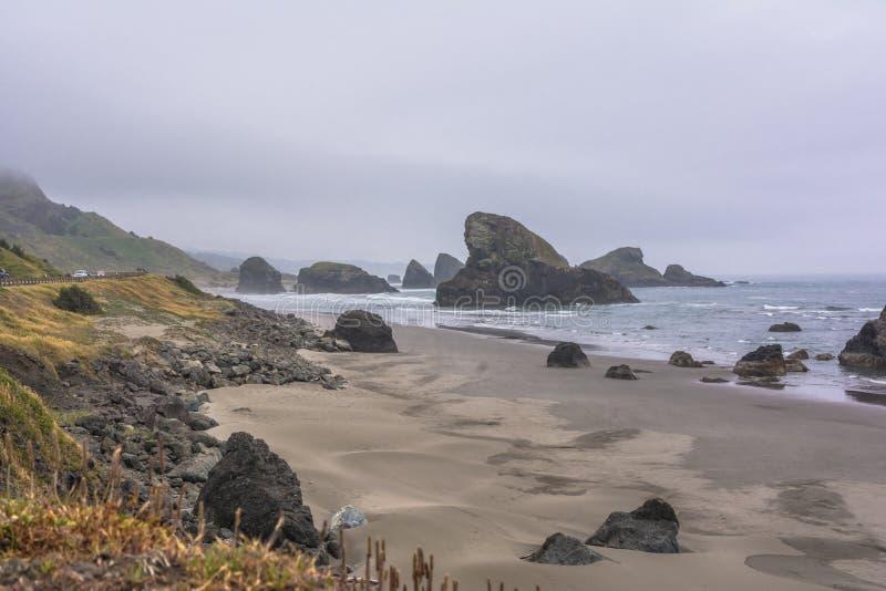 Die Küste entlang Goldstrand, Oregon stockfotos
