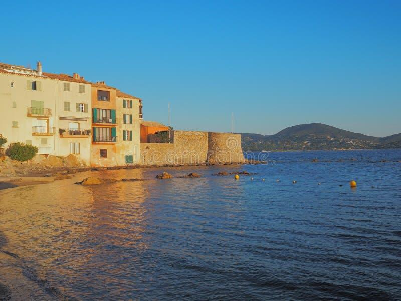 Die Küste von Saint-Tropez, Frankreich stockbild
