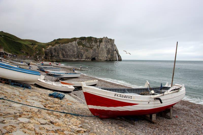 Die Küstenlinie von Ã-‰ tretat lizenzfreie stockfotografie