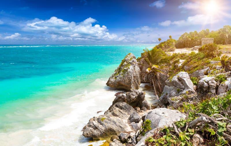 Die karibische Küste von Tulum, Mexiko lizenzfreie stockfotos