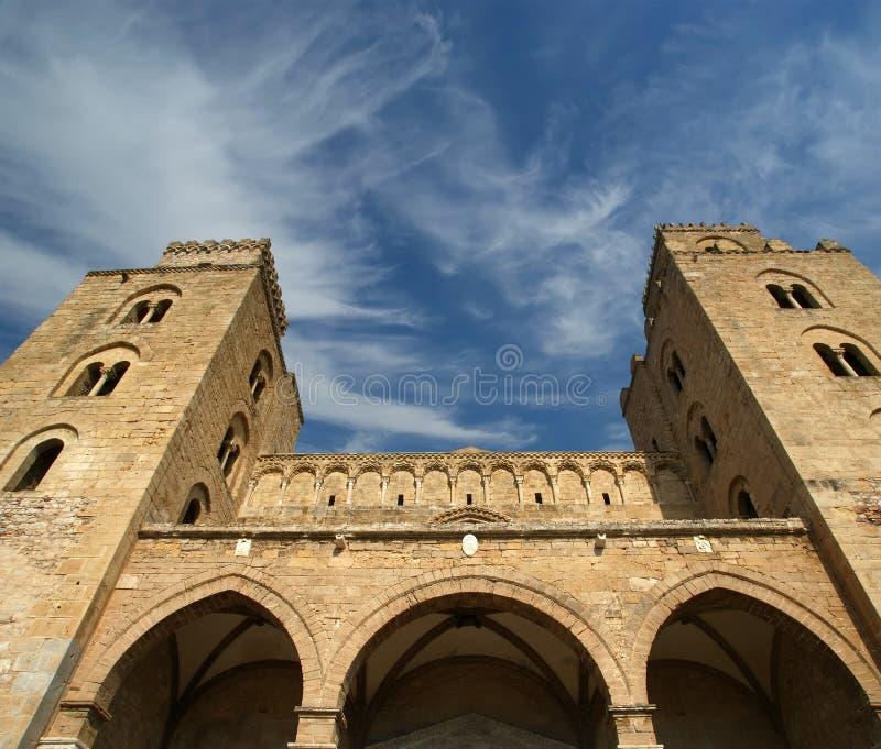 Die Kathedrale-Basilika von Cefalu, Sizilien lizenzfreie stockbilder