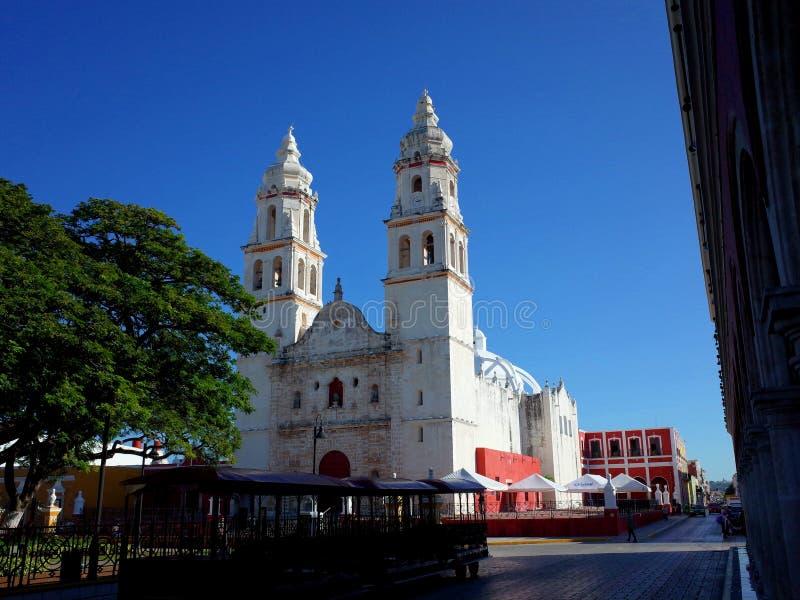 Die Kathedrale unserer Dame der reinen Konzeption in der ummauerten Stadt von Campeche lizenzfreie stockbilder