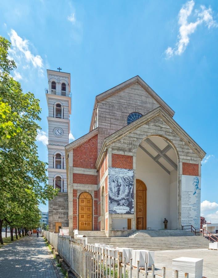 Die Kathedrale von gesegneter Mutter Teresa in Pristina lizenzfreie stockfotografie
