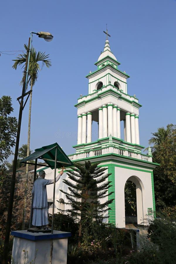 Die katholische Kirche in Kumrokhali, Westbengalen, Indien lizenzfreie stockfotografie