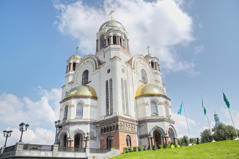 Die Kirche auf Blut zu Ehren aller Heiligen glänzend im russischen Land, Jekaterinburg-Stadt, Russland stockfotografie