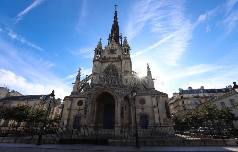 Die Kirche von Bernhardiner de la Chapelle ist eine Neo-gotische Roman Catholic-Kirche im ` Goutte d oder in der Nachbarschaft vo lizenzfreie stockfotos