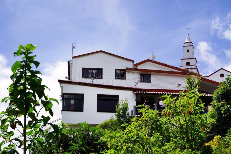 Die Kirche von Monserrate - ein wichtiges Symbol von Bogota in den religiösen Ausdrücken lizenzfreie stockfotografie