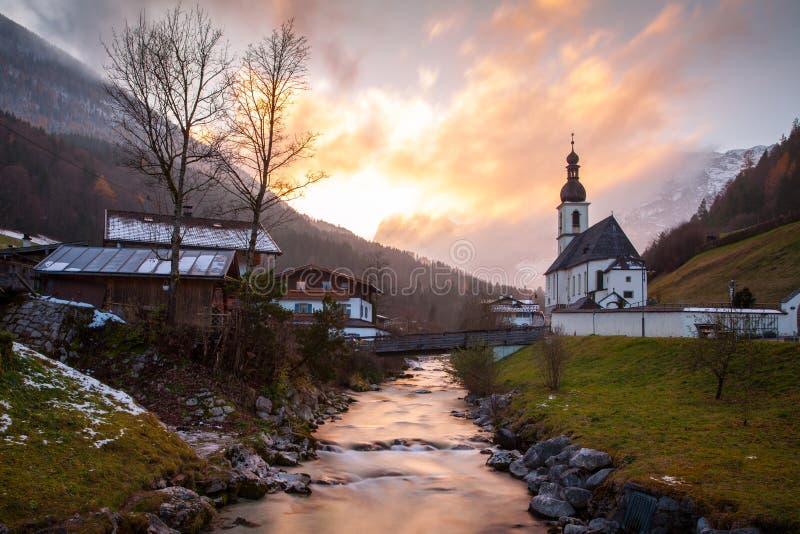 Die Kirche von St. bei Berchtesgaden Sebastians, Ramsau stockfotografie