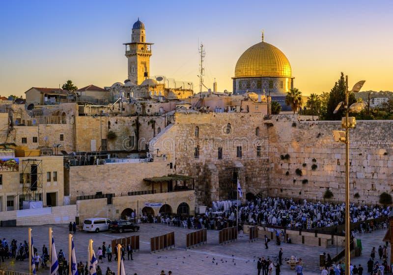 Die Klagemauer- und Dome-Moschee, Jerusalem, Israel lizenzfreie stockbilder