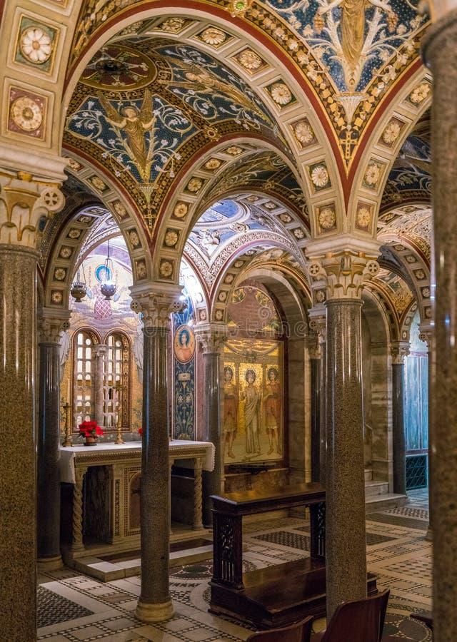 Die Krypta von Santa Cecilia in Trastevere-Kirche in Rom, Italien stockfotografie