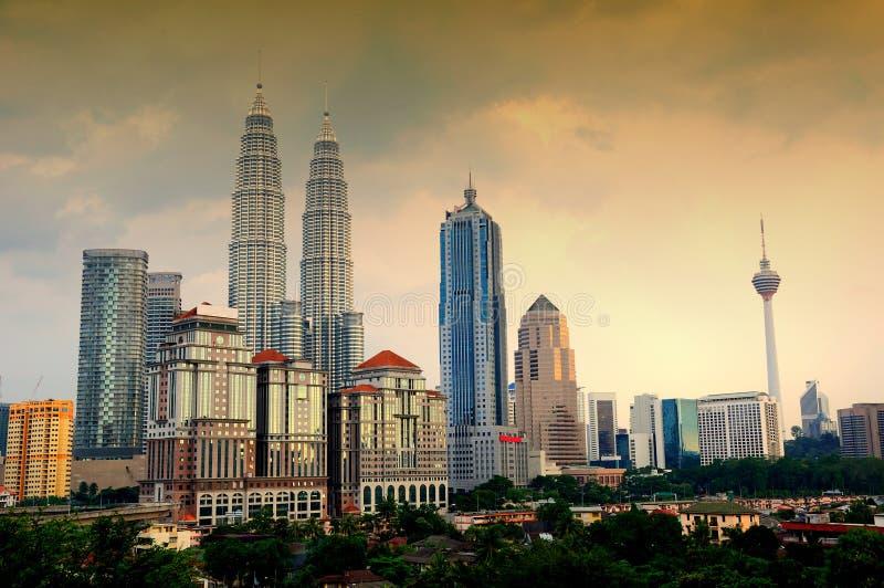 Die Kuala- Lumpurstadt-Skyline lizenzfreie stockfotos