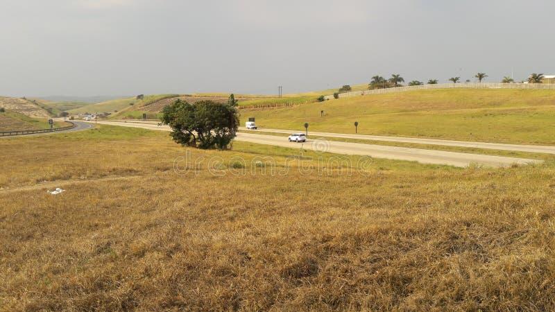 Die längste Straße in Südafrika, N2, die 2255 km von Kapstadt nach Ermelo entfernt ist lizenzfreies stockfoto