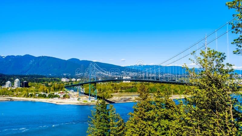 Die Löwe-Tor-Brücke oder verengt zuerst Brücke in Vancouver BC Kanada stockbilder