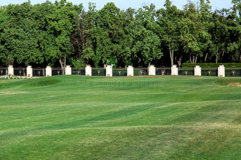 Die Landschaft des Golfplatzes lizenzfreie stockfotografie