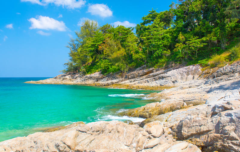 Die Landschaft von Meer und von Ufer lizenzfreies stockbild