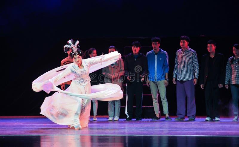 Die langen Ärmel des Charmes von Kunst-Jiangxi OperaBlue beschichten stockbilder