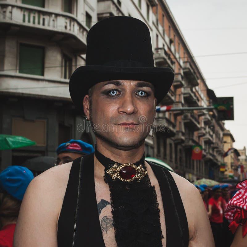 Die Leute, die an Mailand teilnehmen, Pride 2014, Italien stockbilder