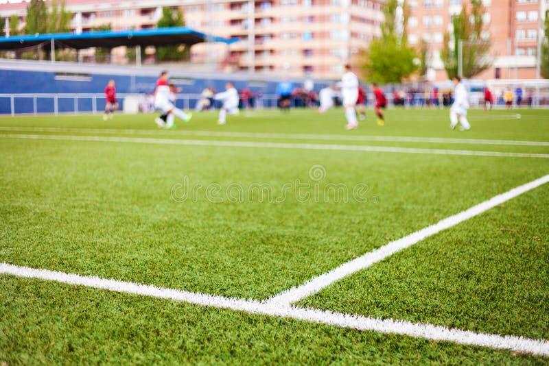 Die Linien und die Spieler des Fußballplatzes stockbilder