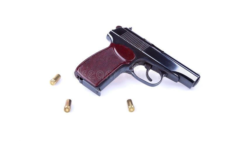 Die Makarow-Pistole oder das P.M. ist ein russisches Maschinengewehr, das auf Weiß lokalisiert wird stockbild