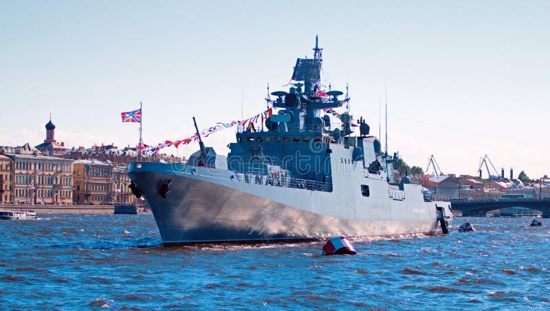 Die Marineparade auf dem Neva stockfoto